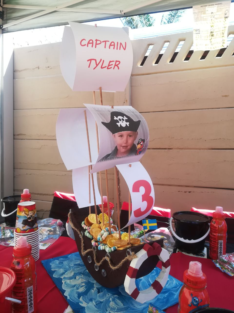 pirate-ship-centrepiece