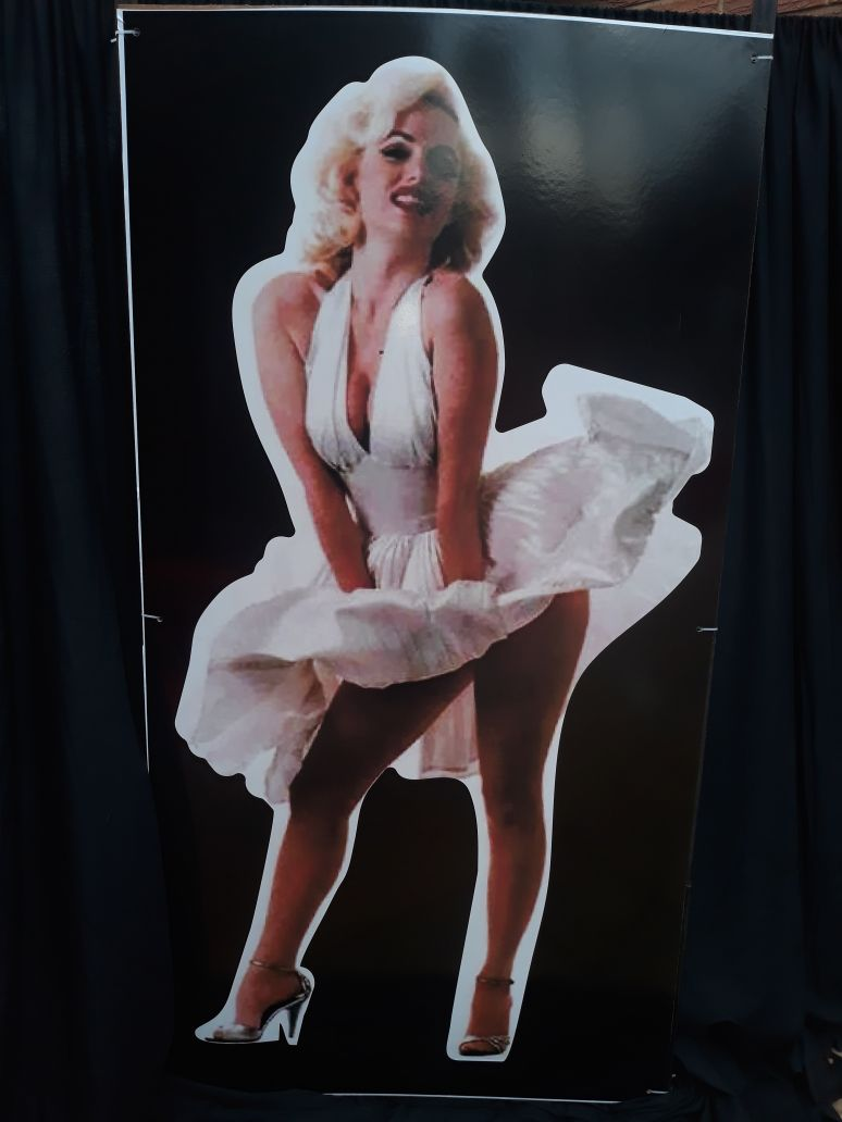 cut-out--marilyn-monroe