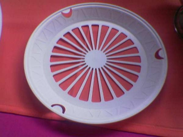 paper-plate-holders--plastic