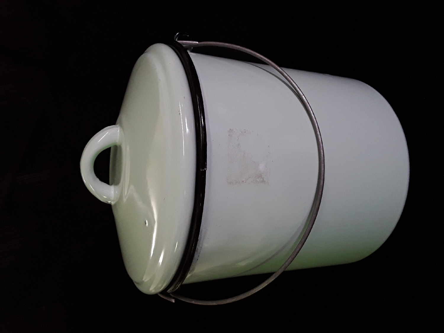enamel-ice-bucket-&amp-lid-tin