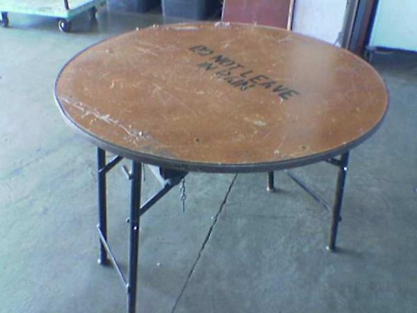 round-table--12m
