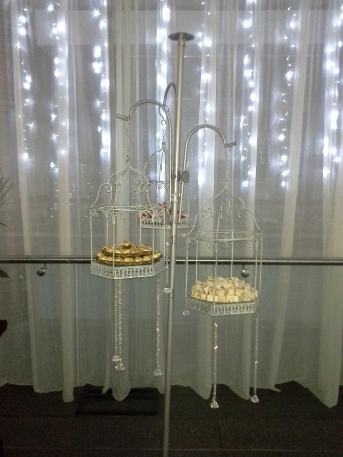 flower-cage-hook-stand